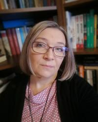 dr hab. Iwona Nowak